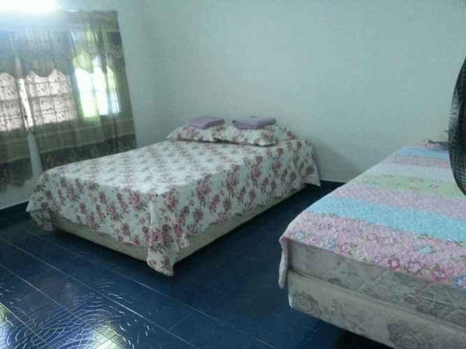 BEDROOM Mawar Homestay 5
