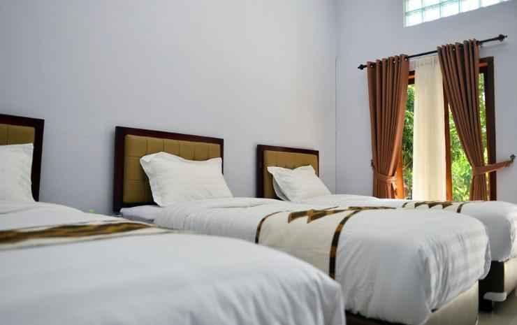 Malang Hill Gallery & Homestay Malang - Superior Triple Room