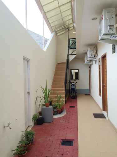 EXTERIOR_BUILDING Comfortable Room near Kraton at Ngasem Homestay