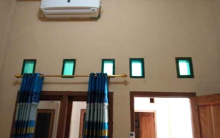 Siola Hotel Manggarai Barat - Standard Double Bedroom with AC