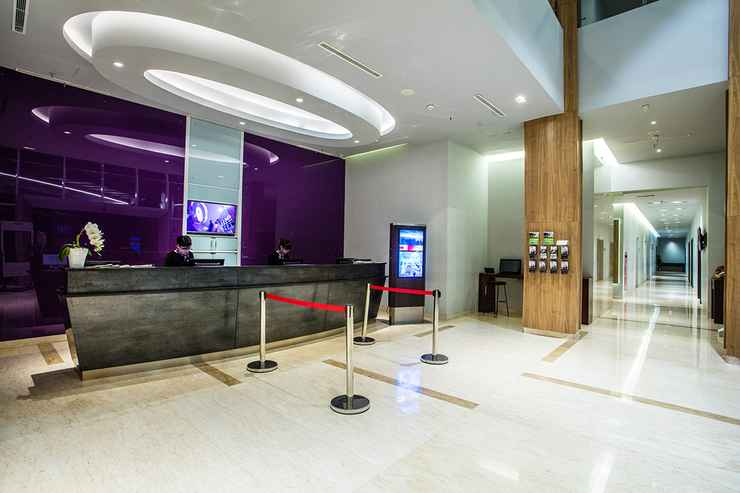LOBBY  BIGLAND Hotel & Convention Sentul