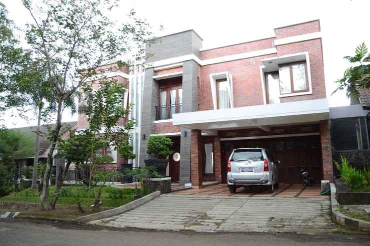 EXTERIOR_BUILDING Rumah Bata Merah