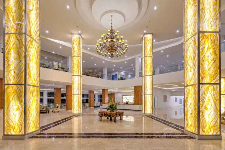 LOBBY Le Eminence Puncak Hotel Convention & Resort