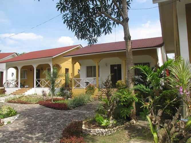 EXTERIOR_BUILDING Celvis Vacation Cottages