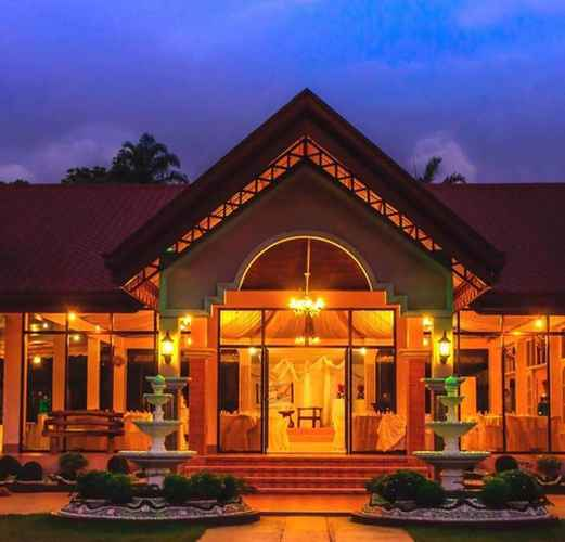 EXTERIOR_BUILDING Garden Party Venue and suites