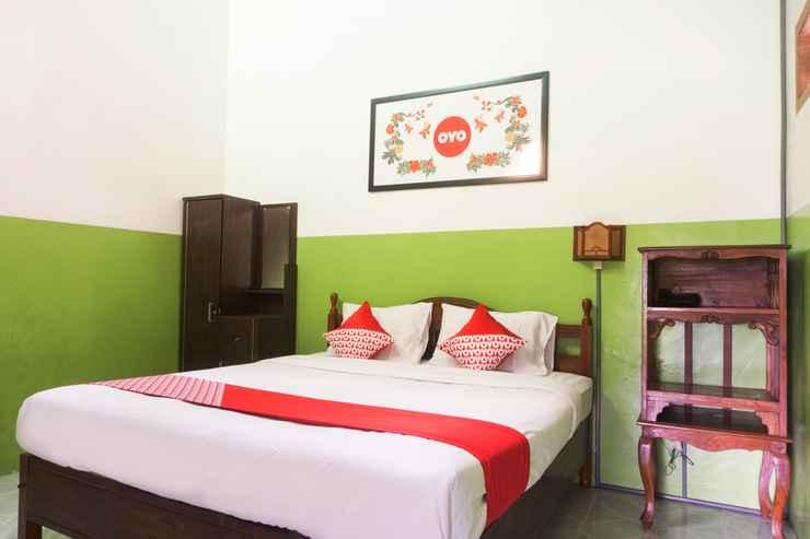 BEDROOM OYO 942 Srikandi Hotel