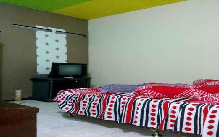 Comfort Place at Homestay Kasuari 2 Malang - Two Bedroom