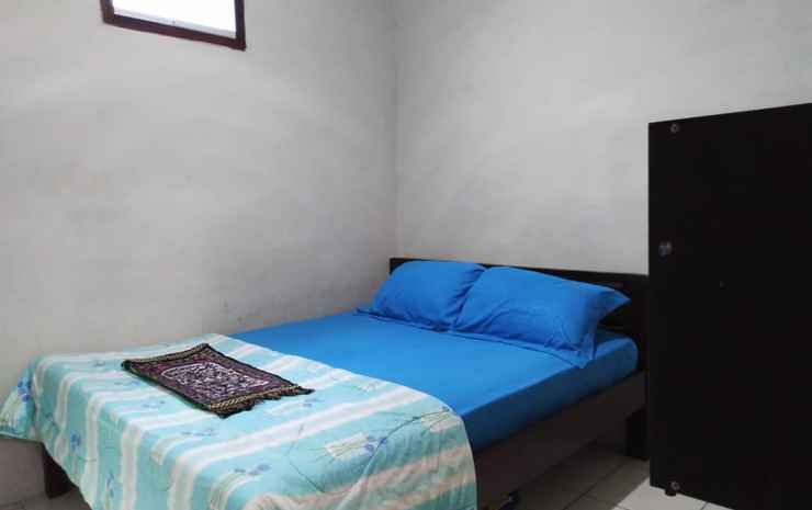 Comfort Room Syariah near UMS at Wisma Brilian 3 Solo - Room AC TV (checkin max. 9pm)