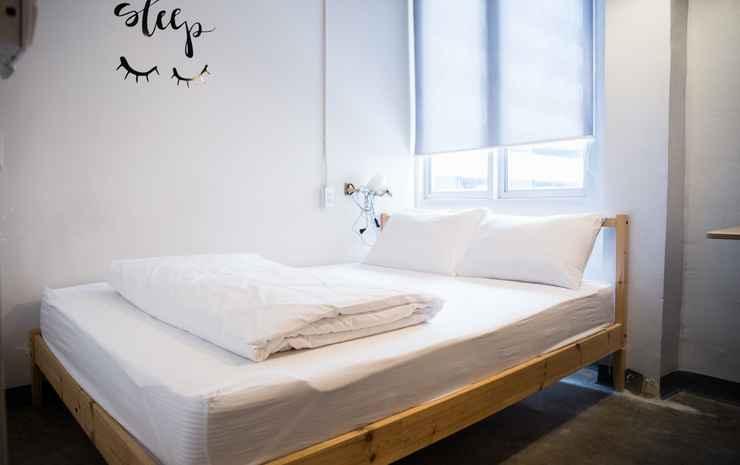MovyLodge Hostel Bangkok - Double Room with Shared Bathroom