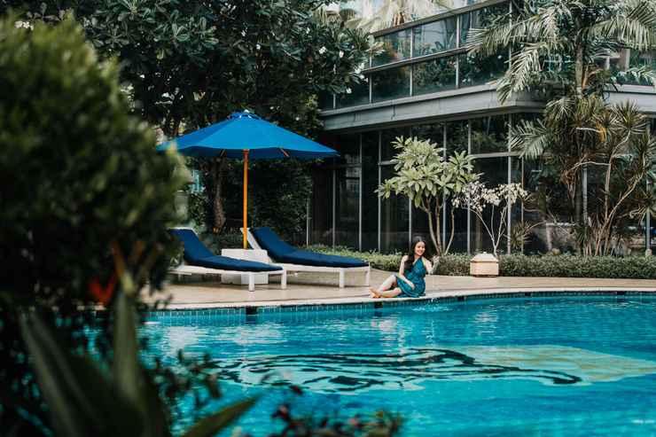 SWIMMING_POOL The Ritz-Carlton Jakarta, Mega Kuningan
