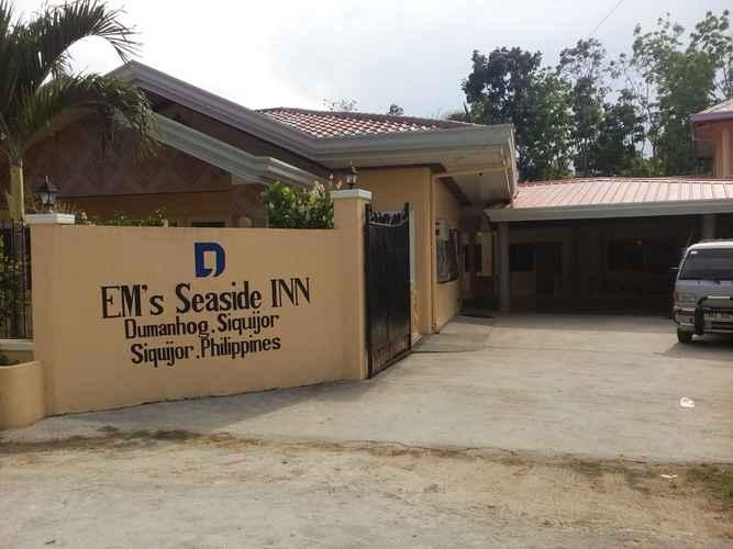 EXTERIOR_BUILDING Em's Seaside Inn
