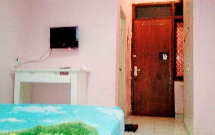 Cozy Room in Surabaya at D'Kost Ketintang Surabaya - Standard  (max. check in time is 23.00)