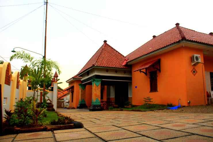 EXTERIOR_BUILDING Puri Saripan Bed & Breakfast