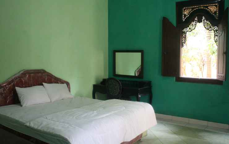 Puri Saripan Bed & Breakfast Jepara - Double Extra Room