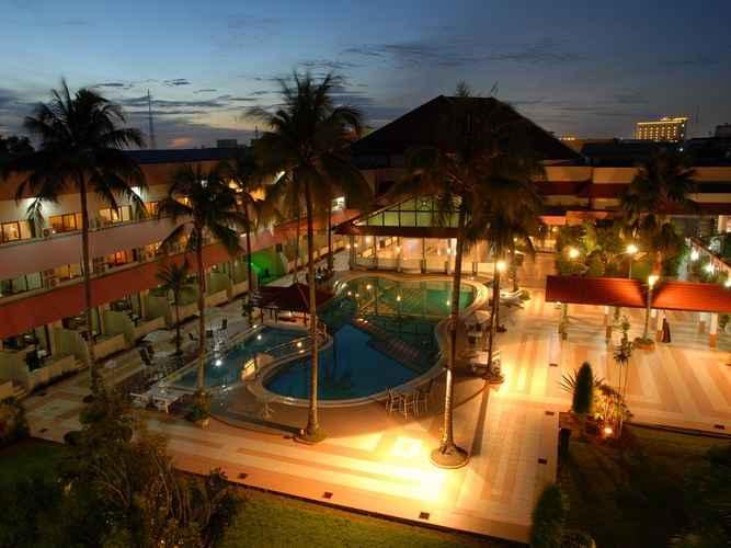 SWIMMING_POOL Hotel Kapuas Palace