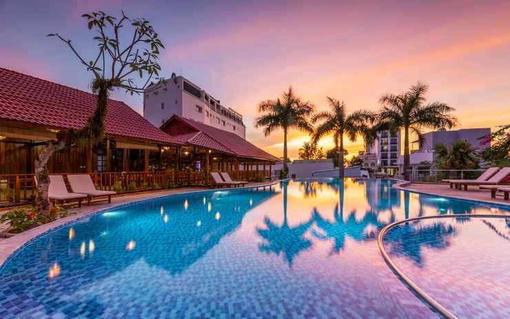SWIMMING_POOL Suncosy Central Resort