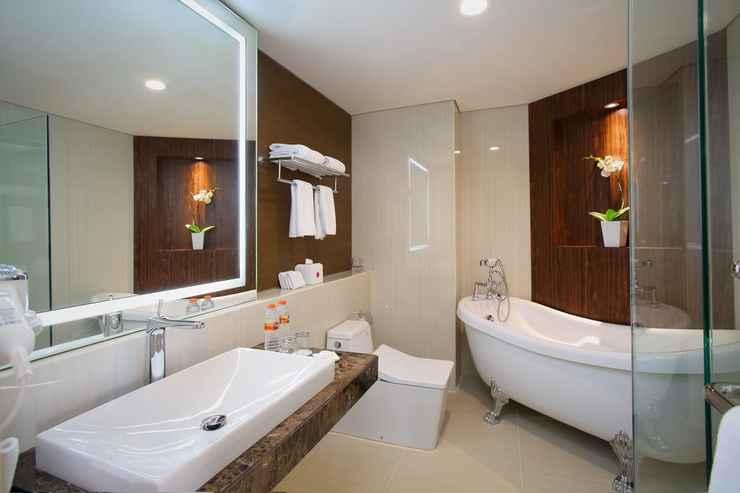 BATHROOM Grandhika Hotel Pemuda Semarang