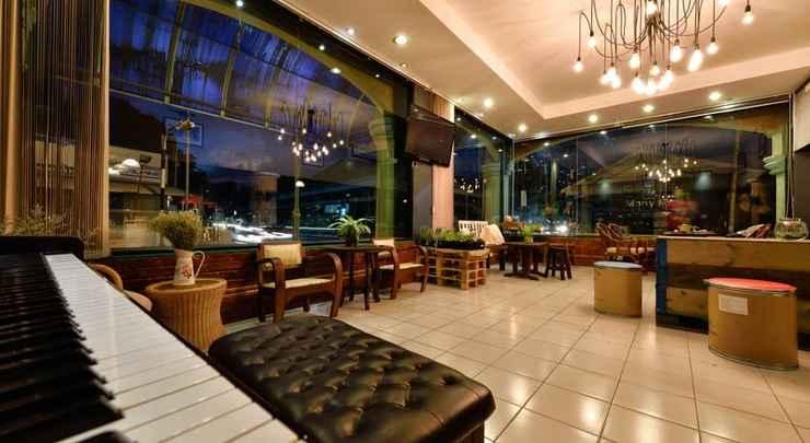 LOBBY Cafe 66 Hostel