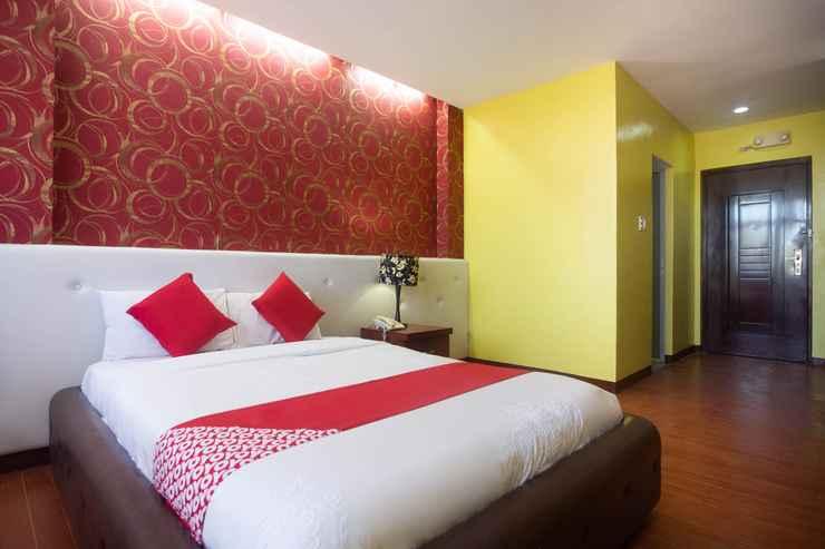 BEDROOM OYO 159 San Remigio Pensionne Suites
