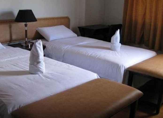 BEDROOM Cinfandel Suites