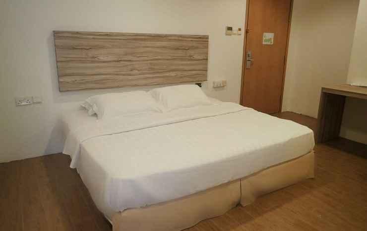 RedDoorz Plus @ Victoria Hotel Singapore - 2D1N Bento Package - Double Room + Bento for 2