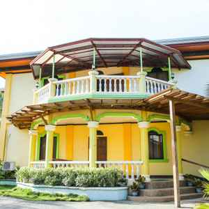 OYO 422 VILLA EMILIA PENSION HOUSE
