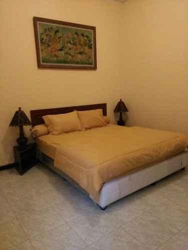 BEDROOM Cozy Room at Warung Limasan Homestay