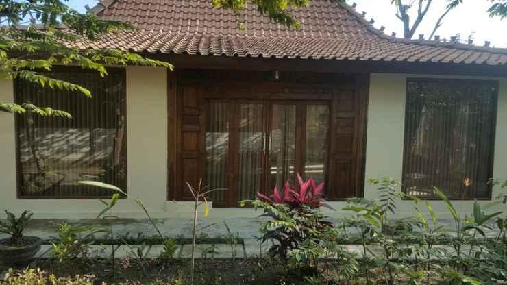 EXTERIOR_BUILDING Cozy Room at Warung Limasan Homestay