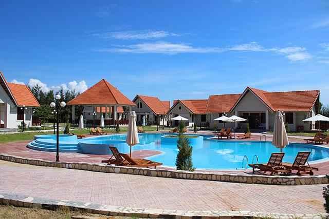 SWIMMING_POOL Hon Ngoc Mui Ne Resort