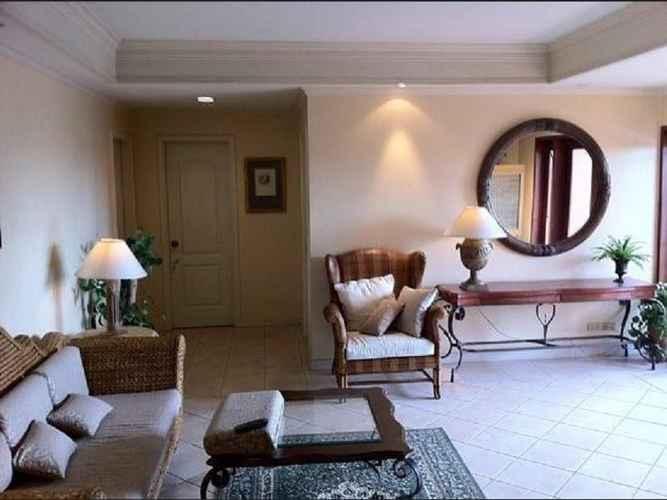 LOBBY Sophia Suites Residence Hotel