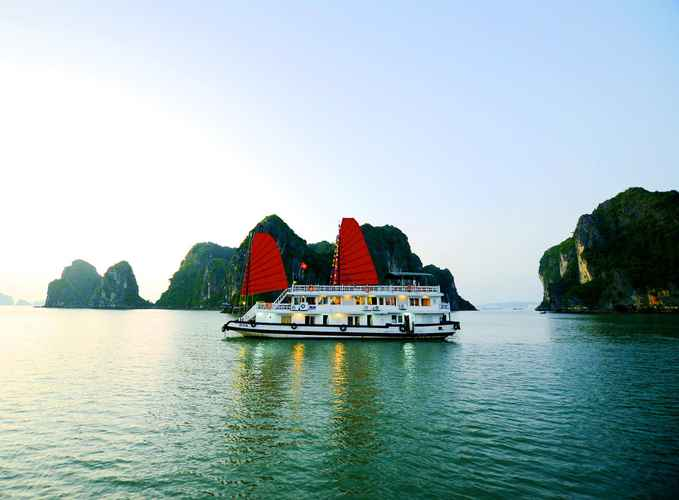 LOBBY Du thuyền Hạ Long Imperial Classic