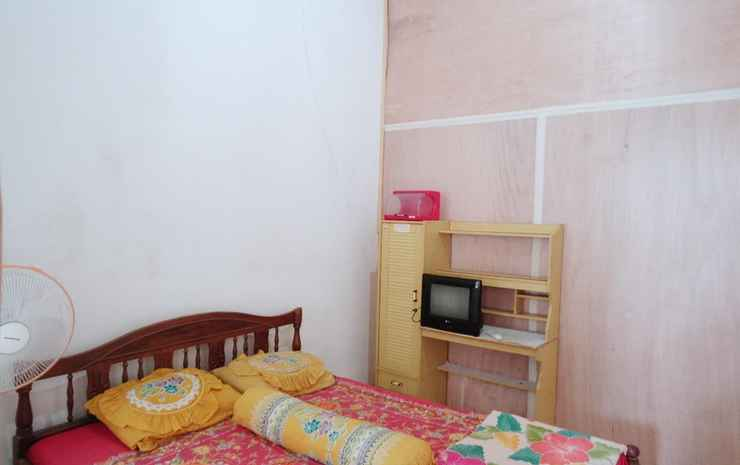 Febbycell Guesthouse Padang - Budget Room (Indonesia Citizen Only,CHECK-IN MAX 22.00)