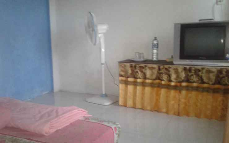 Febbycell Guesthouse Padang - Standard Room (Indonesia Citizen Only,CHECK-IN MAX 22.00)