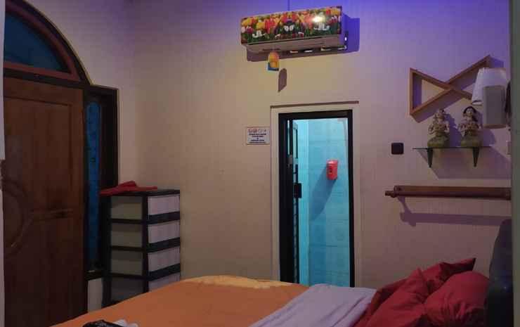 Roemah Djogja 1 Yogyakarta - Villa with 4 Bedrooms - Room Only NR
