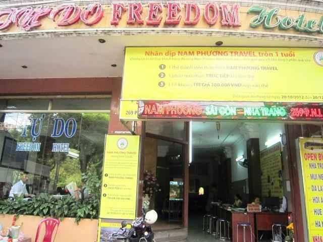EXTERIOR_BUILDING Khách sạn Freedom Saigon