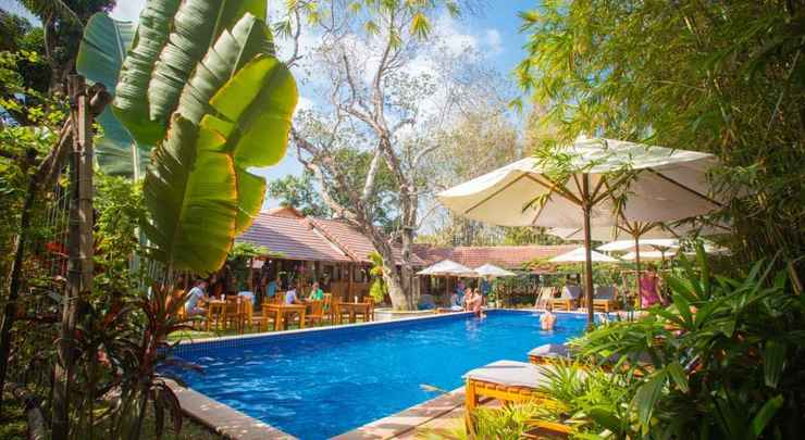 SWIMMING_POOL La Mer Resort