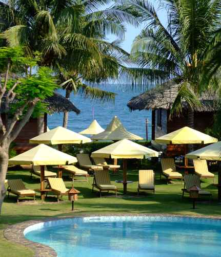 SWIMMING_POOL Coco Beach Resort
