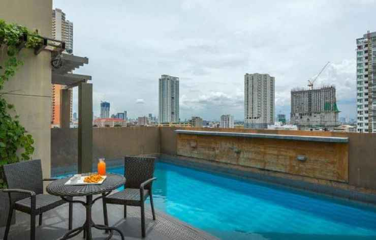 SWIMMING_POOL V Hotel Manila