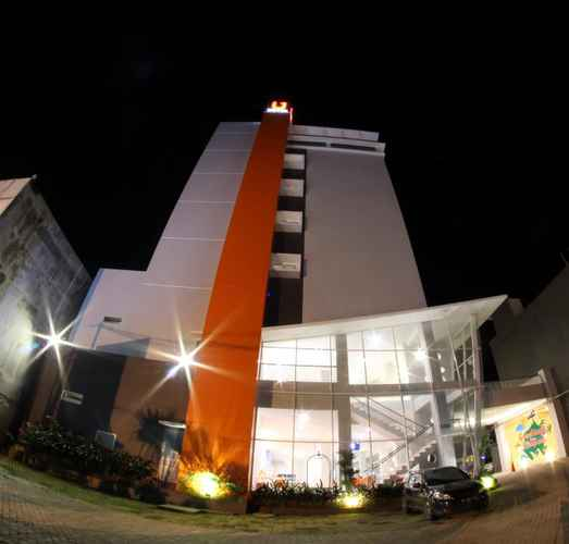 EXTERIOR_BUILDING Urban Style by Front One
