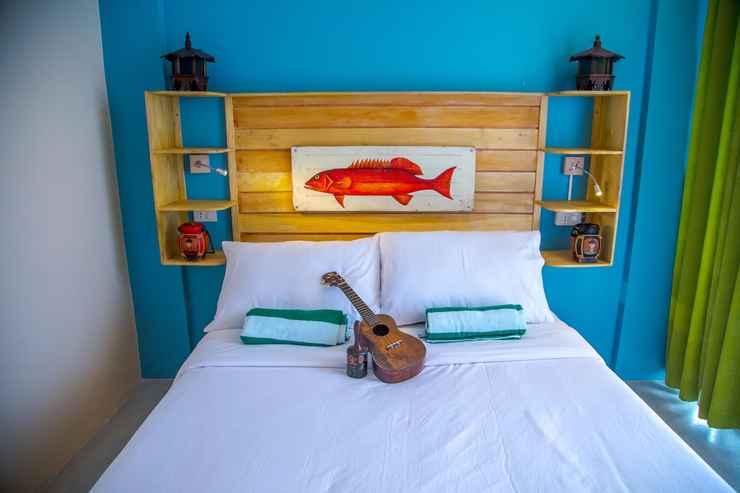 BEDROOM Flotsam and Jetsam Artist Beach Hostel