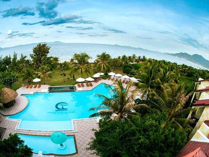 SWIMMING_POOL White Sand Doc Let Resort & Spa