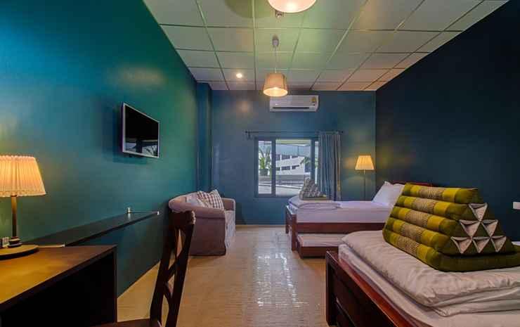 Hom Hostel & Cooking Club Bangkok - Family Room for 4 single beds