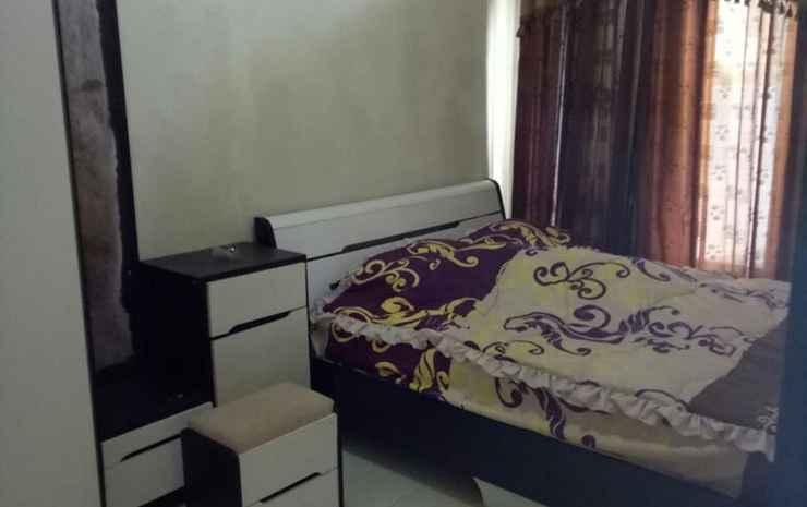 Three Bedroom Family Villa near Museum Angkut at Kusuma Estate Kav 8 Malang - Three Bedroom