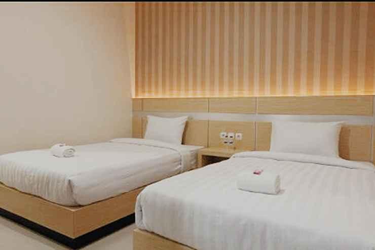 BEDROOM Saras City Hotel