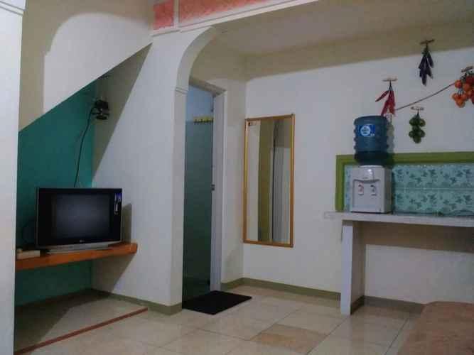LOBBY Three Bedroom Homestay in Batu City at Villa Mentari