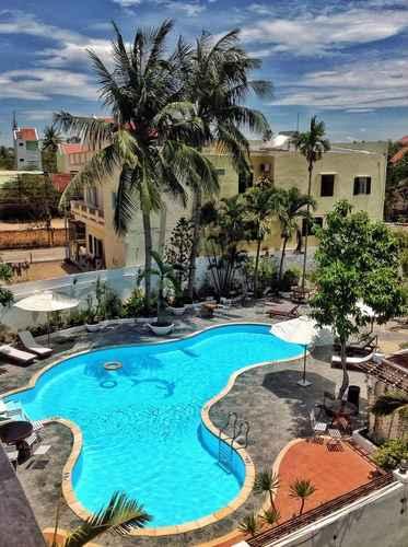 SWIMMING_POOL Hai Yen Hotel