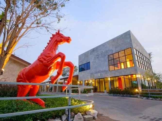 EXTERIOR_BUILDING Red Horse Resort