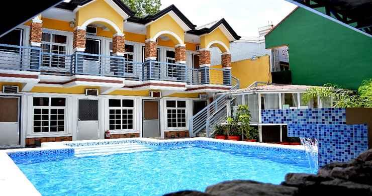 EXTERIOR_BUILDING Knobel's View Apartments