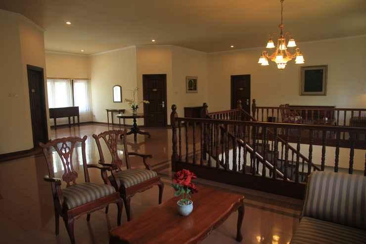 LOBBY Villa Grand Artos