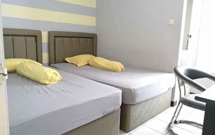 Blue Guest House Syariah Surabaya - Twin Bed Room  - Max C.In 22.00